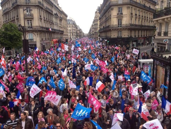 Manifestation du 26 mai 2013 a Paris contre le mariage gay et pour la famille 2